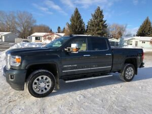 Like NEW MINT 2017 GMC Sierra 2500 Denali Pickup Truck