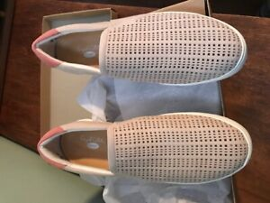 Ladies Casual Slip on Sneaker