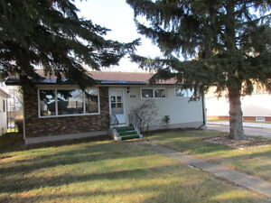 806 Francis Street - Grenfell Sk