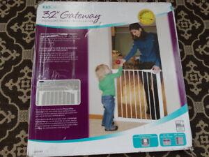 new safety gate - KID CO +a second plastic gate bonus