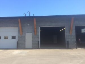 Commercial bay for lease near Kamloops Airport