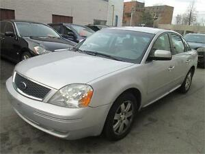 2005 Ford 500 Very clean/Sunroof,/AWD/Leather.
