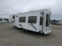 2001 32' Hitchhiker II Nu-wa 5th wheel RV