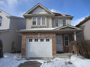 4bedroom house in Laurelwood , with finished walkout basement