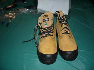 Mens Work Boots- brand new Peterborough Peterborough Area image 1