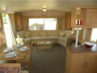 Static holiday home by the sea, Essex, 4 bars, 3 swimming pools - huge enertainment complex!