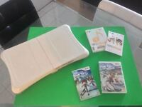 Planche Wii Fit impeccable + 2 jeux Wii Music + We Ski-50$