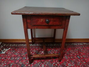 Quebec Pine Side Table c. 1870 West Island Greater Montréal image 1