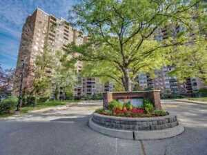 The West Mall Rd | 2 Bed Plus Den Condo Apt 1,160 Sq Ft