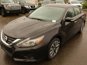 2017 Nissan Altima 2017 Clearance!! SL: Navigation, Leather, Pus