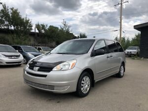 2005 Toyota Sienna, ONE OWNER, Full Service History