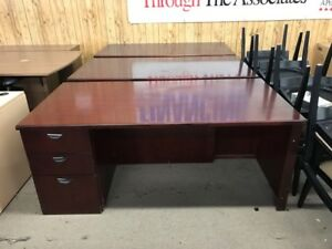 OFW-We Offer Brand New Desks at Cheap Price!