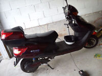 Emmo GT8 ebike - 80 volt .Comes with Motorcycle helmet