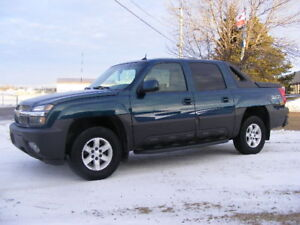 2005  Avalanche LT--SUNROOF ---LEATHER---SUPER CLEAN--