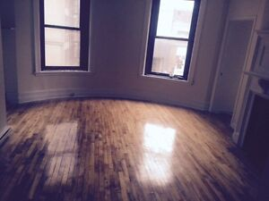 Newly renovated 2 bedroom Apts on Stanley St.