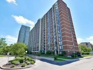 Bright & Spacious 2 bdr Condo Heart of Mississauga!!! Must See!
