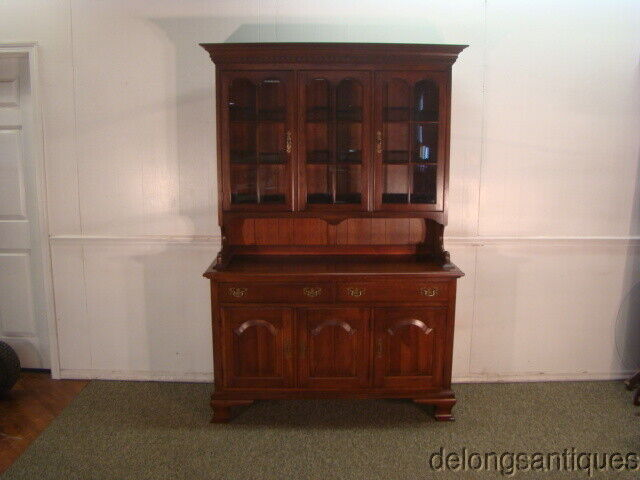 61262:Pennsylvania House Solid Cherry China Hutch Cabinet