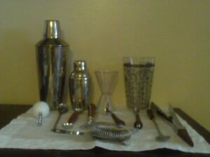Vintage Glo Hill Bar Ware