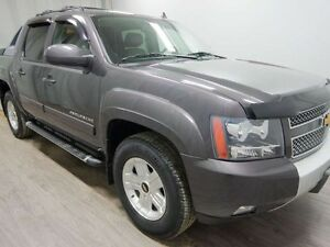 2011 Chevrolet Avalanche 1500 LT 4x4 - Low Kms! PST Paid!