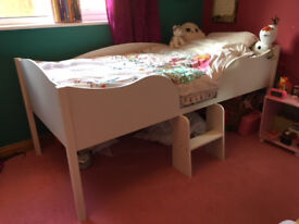 kids wooden bed