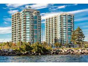 Beautiful 2 Bed Plus large Den, 2 Bath Suite at The Water View