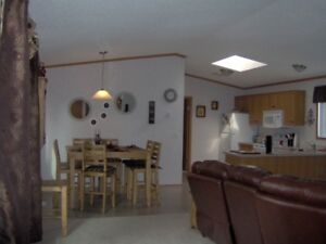 3 Bedrom home available in Wainwright May 1