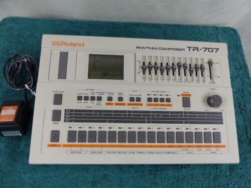 Vintage Roland TR-707 Analog Drum Rhythm Machine Sequencer Rhythm Composer