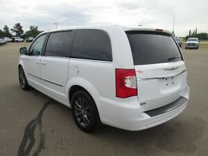 2015 CHRYSLER TOWN & COUNTRY S, LOWEST PRICED PERIOD!! V6, LEAT Edmonton Edmonton Area image 2