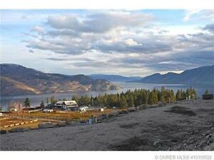 Panoramic lake views… Scenic Ridge Estates in Peachland!