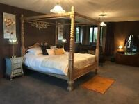 YellowRush Lodge. Private Outdoor Hot Tub. Sleeping from 6-10. Near York