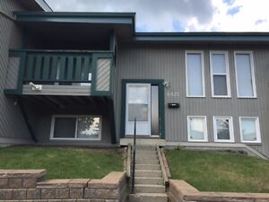 2 Bdrm Town House Available Immed. -1/2 off first month rent Edmonton Edmonton Area image 1