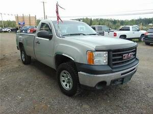 2009 GMC 1500 REGULAR CAB 4X4 NICE LOOKING TRUCK!!
