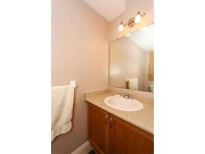 NEWER TOWNHOUSE IN  EAST GALT 3 bed 2.5 bath FERNCLIFFE ST Cambridge Kitchener Area image 6