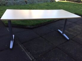 OFFICE DESK , NEVER USED. BARGAIN AT £30.00