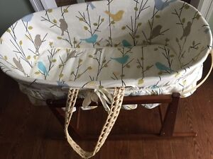 Jolly Jumper Moses Basket with Liner and Rocking Stand