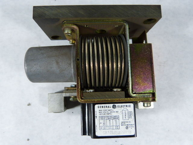 General Electric CR124YOB2821B Time Delay Relay  USED