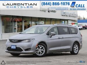 2018 Chrysler Pacifica FRONT & 2ND ROW HEATED SEATS!!