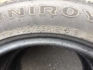 2 winter tires 205/55/R16. 2 pneus d'hiver 205/55/R16