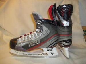 Boy's / Junior Skates Size 5 (Bauer Vapor X:4.0)