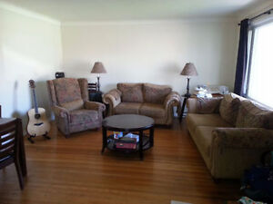 FURNISHED HOME FOR RENT FOR THE FIRST 2 WEEKS OF AUGUST