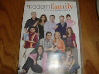 Modern Family Season 4 DVD set