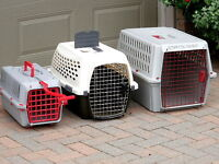 Petmate carriers Plastic.Small/Med