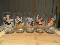 Lot of 12 1998 Looney Tunes Smuckers Collection Glasses