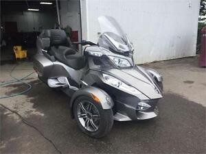 Can Am Spyder RT-S **COMME UN NEUF**