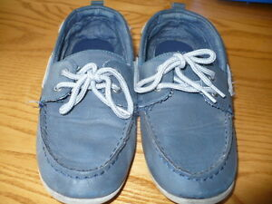 Gap Size 3 Boat Shoes London Ontario image 1