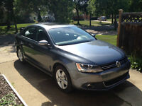 2013 Volkswagen Jetta Comfortline Plus Sunroof Low KM 5-Speed