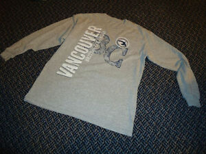 Boys Size 10 Long Sleeve Vancouver T-Shirt