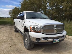 2006 Dodge Power Ram 3500 Mega Cab Pickup Truck