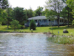VERY PRIVATE WATERFRONT BUNGALOW