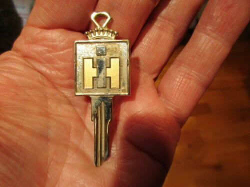 Vintage International Harvester IH Gold Crest Key Blank Scout + Many More